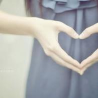 唯美英语:The More Loving One/让我们成为更有爱心的人